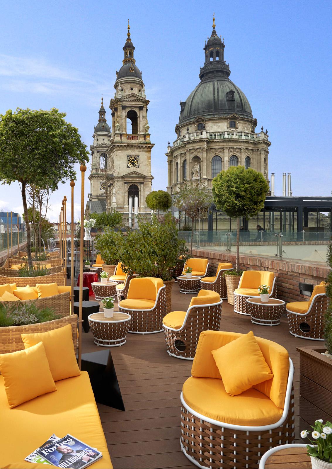 High Note Skybar Budapest - tetőterasz panoráma nappal